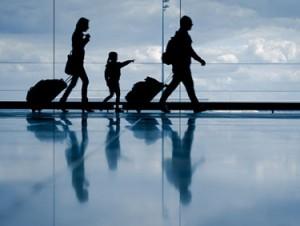 43% e shqiptarëve duan të largohen nga vendi
