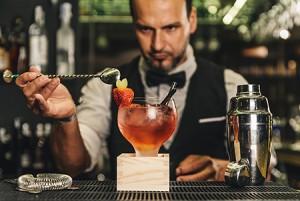 mixology-artisan-cocktails