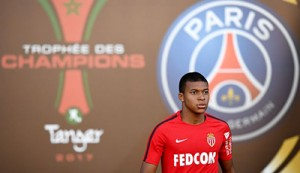 Monaco's French forward Kylian Mbappe arrives for a training session at the Grand Stade in Tangiers on July 28, 2017 on the eve of the French Trophy of Champions (Trophee des Champions) football match between Paris Saint-Germain and Monaco. / AFP PHOTO / FRANCK FIFE        (Photo credit should read FRANCK FIFE/AFP/Getty Images)
