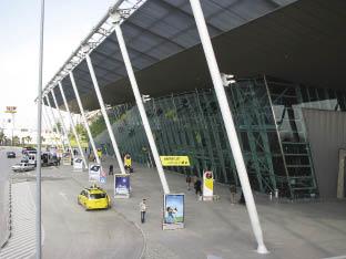 Aeroporti Nene Tereza 798